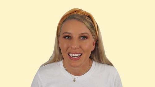 Video Headshot 1920x1080 Yellow Jess